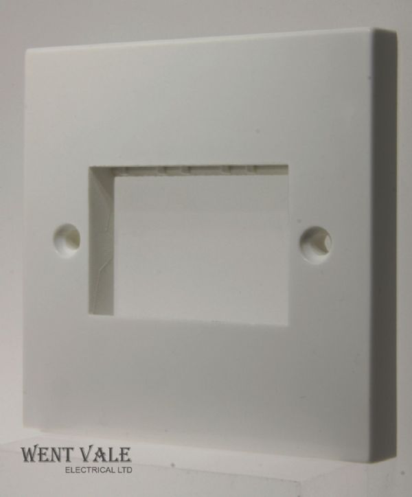 Click Essentials WA403 - White Moulded 1 Gang 3 Module Minigrid Switch Plate New